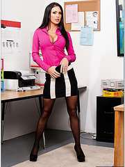 Jessica Jaymes masturbates and demonstrates her great talents in the office