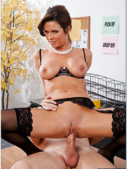 Hardcore fuck with a crazy and busty milf named Veronica Avluv