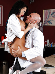 Awesome whore Alektra Blue banging with a doctor and having lots of fun