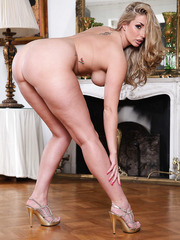 Curvy Paige Turnah stripping in awesome lingerie and playing with her genitals