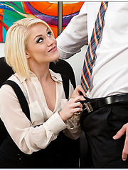 Beautiful Ash Hollywood banging with her new boyfriend and getting pleased