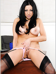 Irresistible Audrey Bitoni loves working with juicy wiener and riding them
