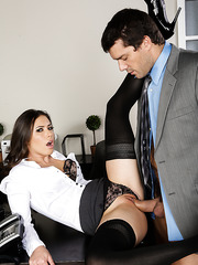 Casey Calvert doing her best and getting fully satisfied at the end