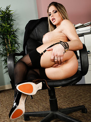Zealous lady Rachel Roxxx masturbating hard and swallowing a tasty dagger