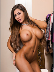 High-class whore Madison Ivy prefers to work with big delicious peckers