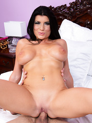 Voluptuous babe Romi Rain demonstrates her skills and makes a deep blowjob