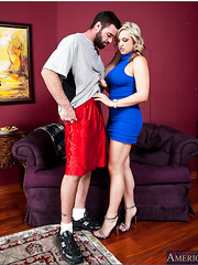 Arresing milf Dayna Vendetta enjoys posing and making first-class blowjobs