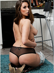 Fancy milf Paige Turnah prefers banging in kitchen and getting cumshots