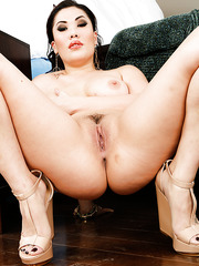 Rebellious Asian cutie London Keyes demonstrates her skills in cock sucking