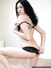 Weird whore Melissa Martinez showing new lingerie and trying a big rod