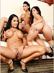 Evie Delatosso, Kayla Carrera and Nina Mercedez masturbating and fucking