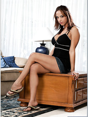 Gifted flapper Mulani Rivera likes fingering sissy and getting nailed on table