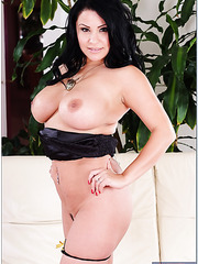 Nice milf Sophia Lomeli showing some of her skills in pleasing naughty boys