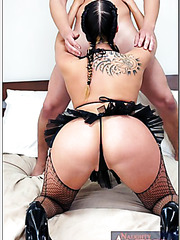 Sparkling milf Gianna Michaels spreading tight sissy and inserting a big cock