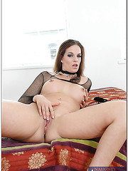 Dirty philander Crissy Cums prefers working with big tits and doing naughty things
