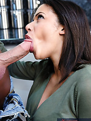 Attractive babe Alexis Silver preparig dinner and pleasing her husband