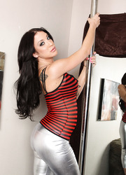 Amy Brooke Works the Pole