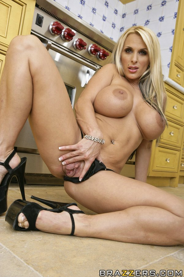 Milfs Wearing High Heels