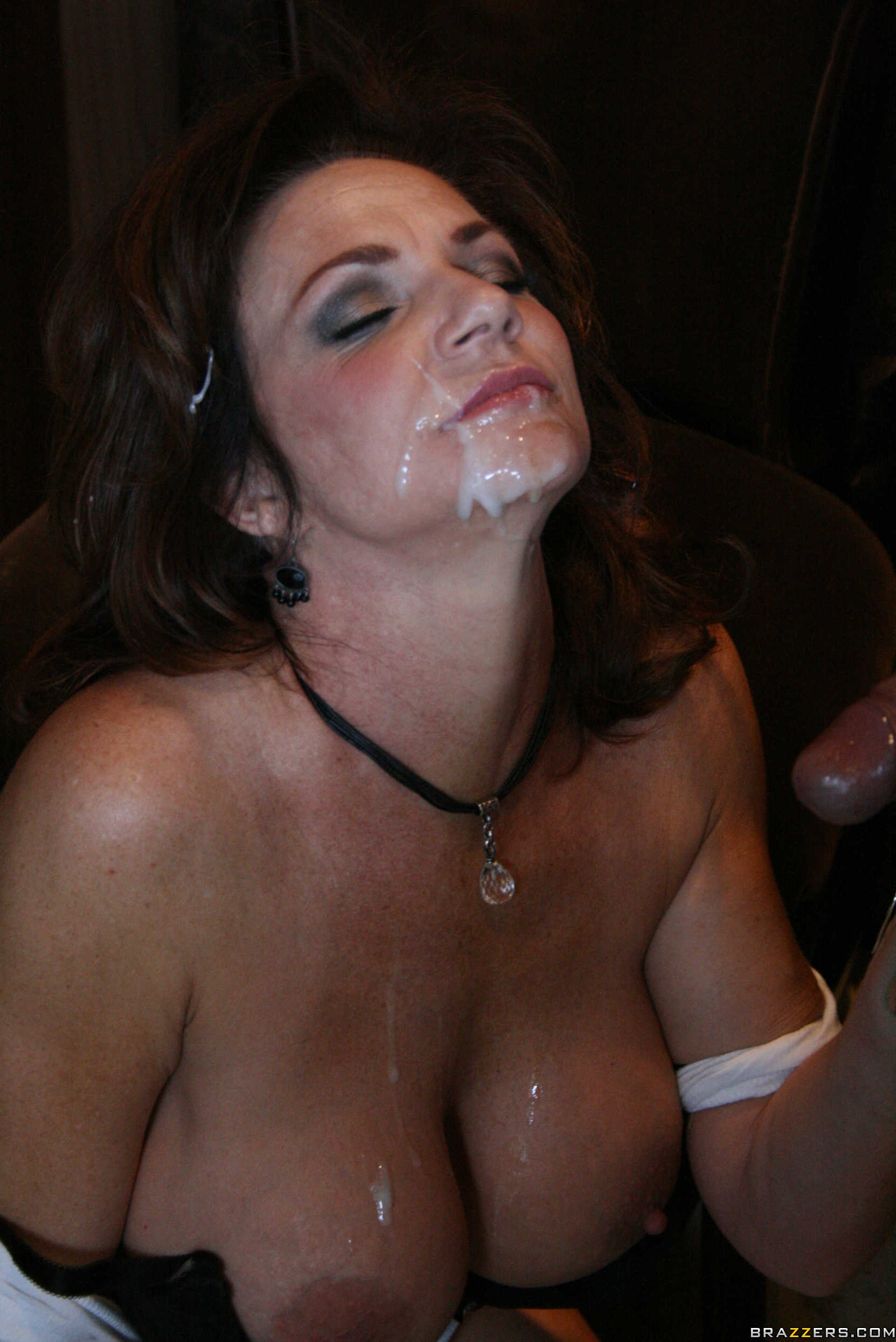 Deauxma milf pic