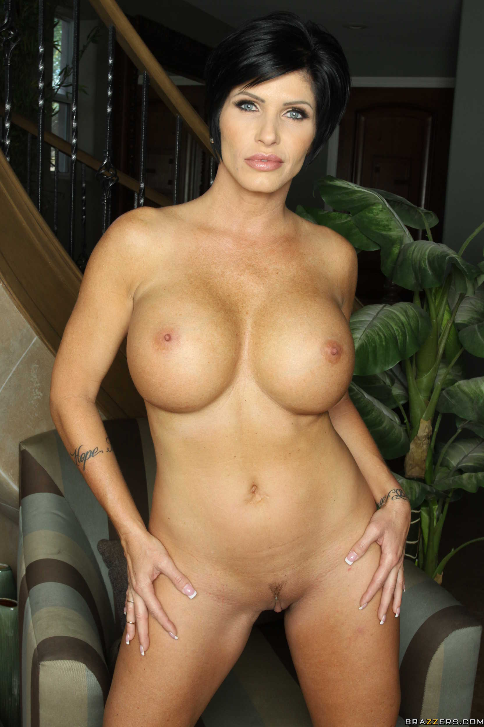 Homemade Short Hair Milf