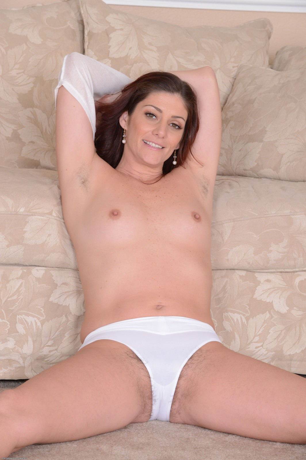 Alicia silver plays with her pubes and shows off 6
