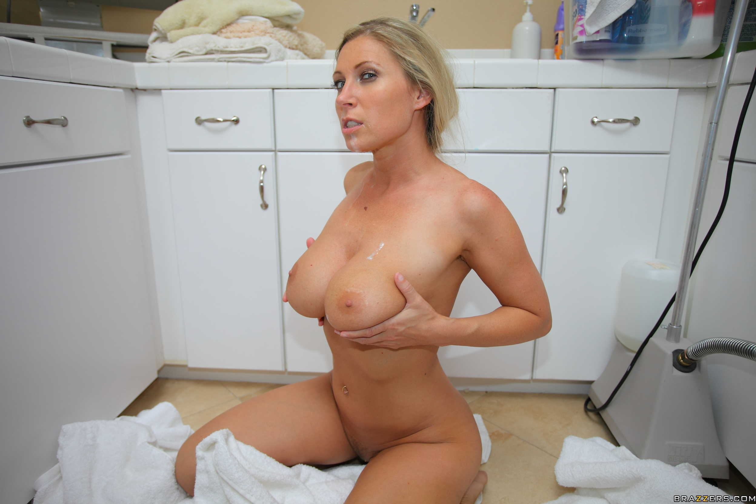 ... milf pictures hot mature ass sexy hot milf sexy nude mom granny porn
