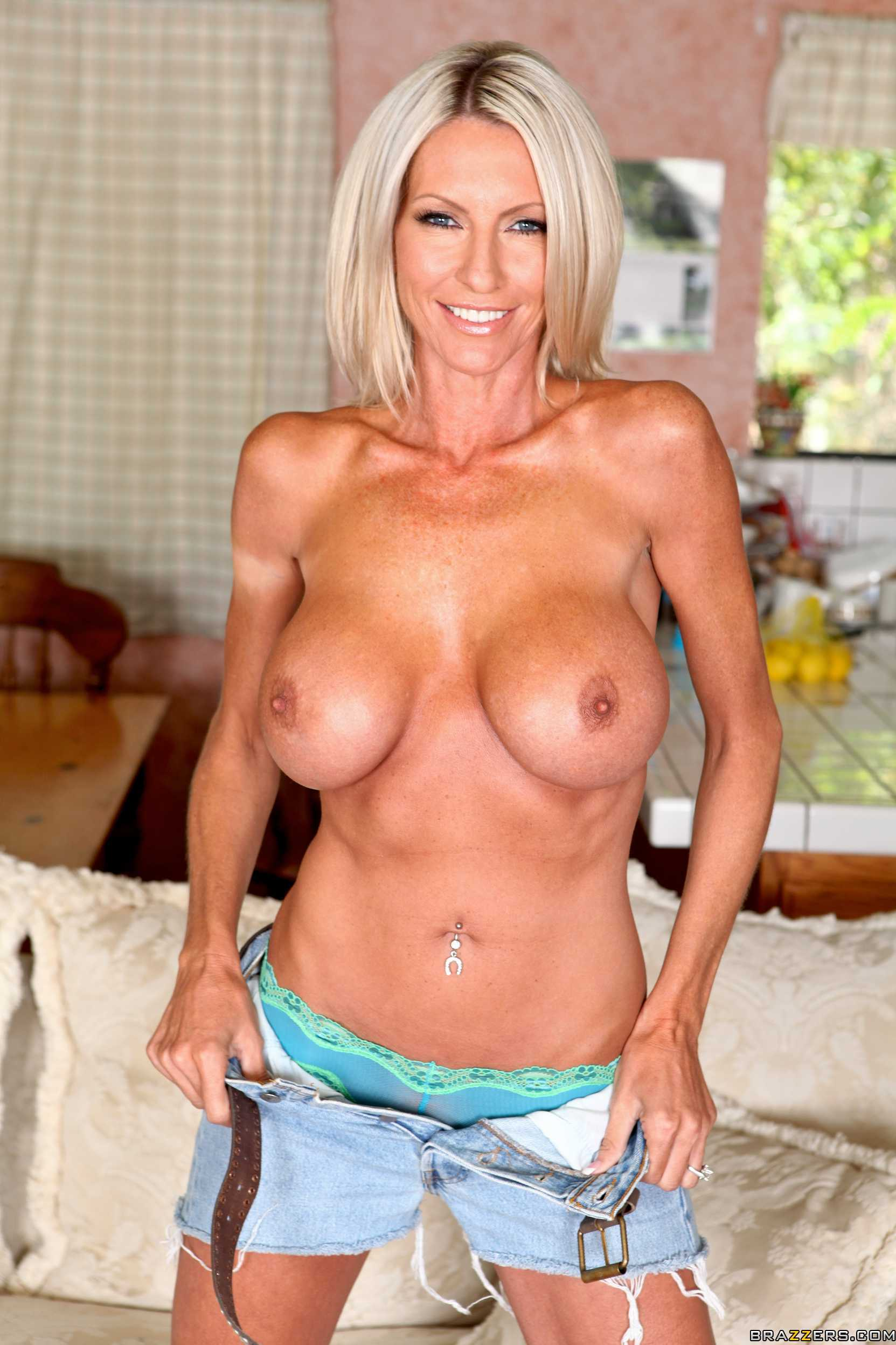 Busty blonde milf emma starr idea will