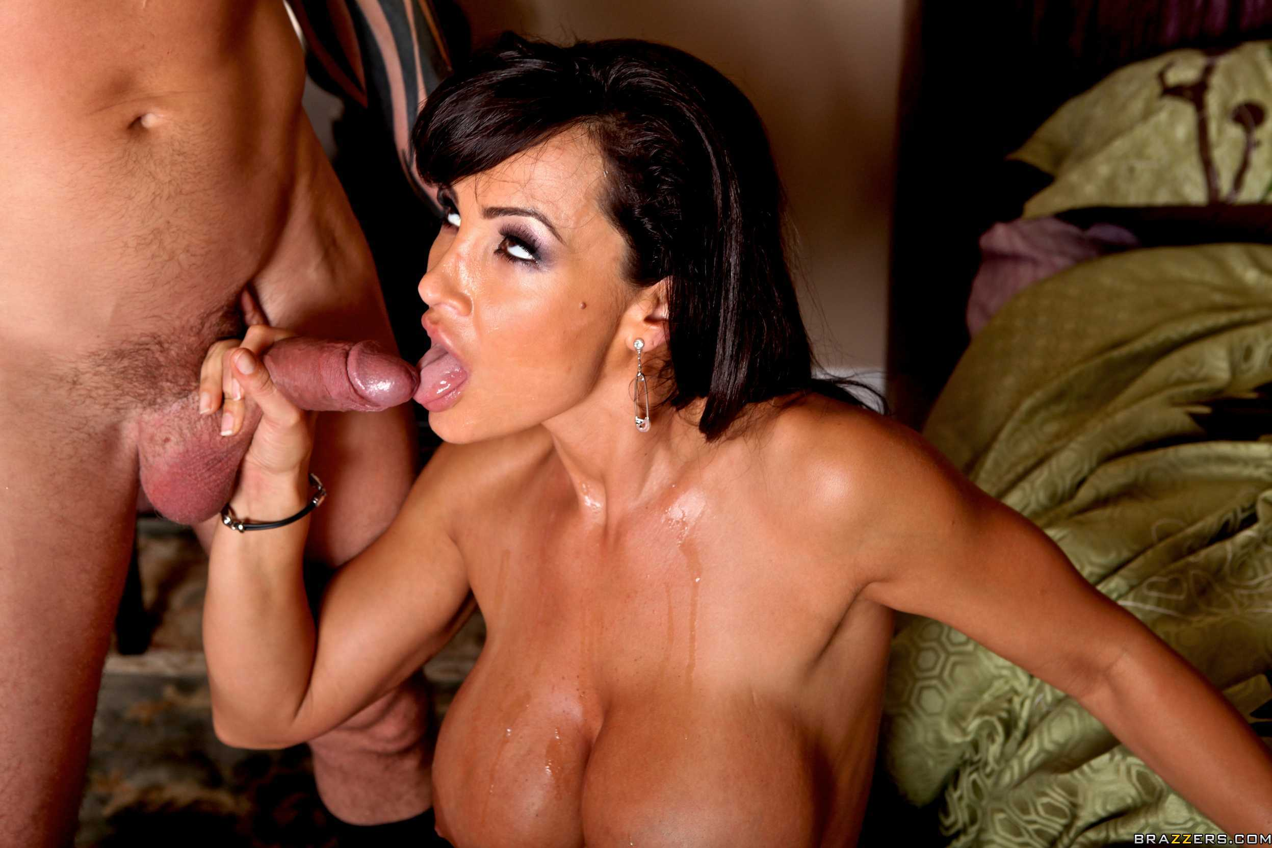 vollbusigee mil lisa ann jennifer white