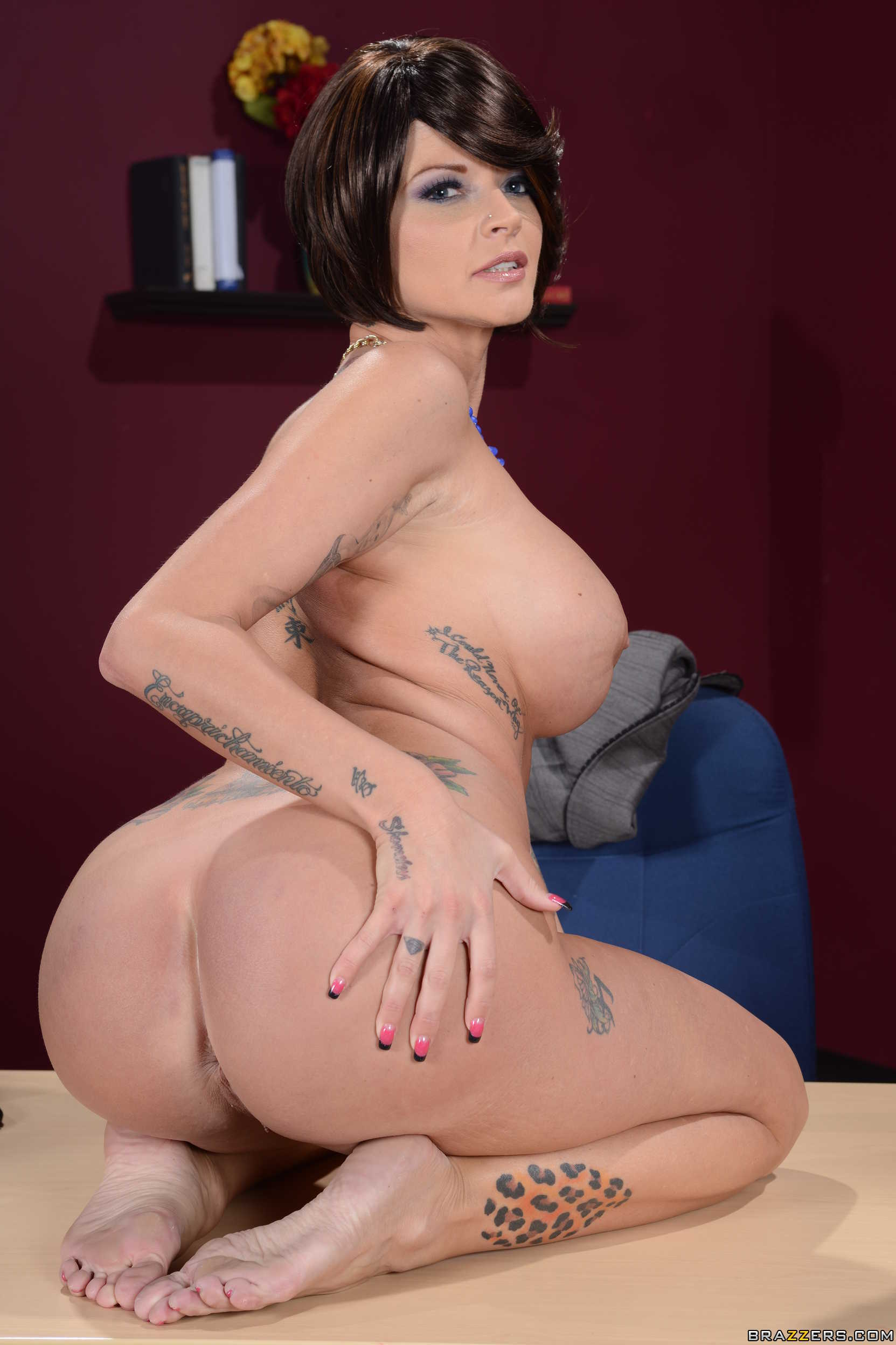 Milf joslyn pictures absolutely