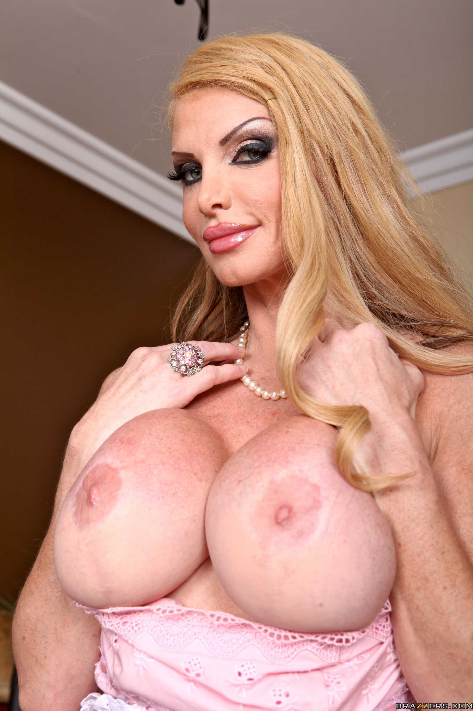 Taylor wane big tits are absolutely