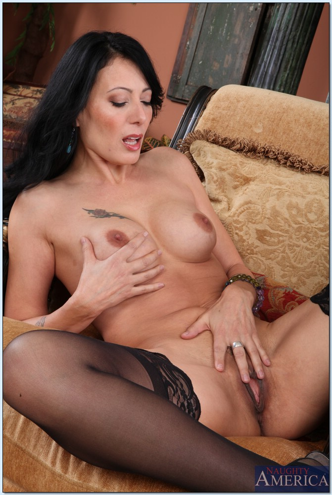 Mom busty milf gets creampied - 4 8