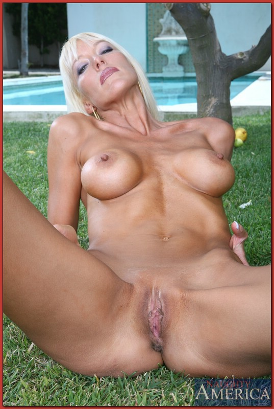 Hot milf bianca noble And
