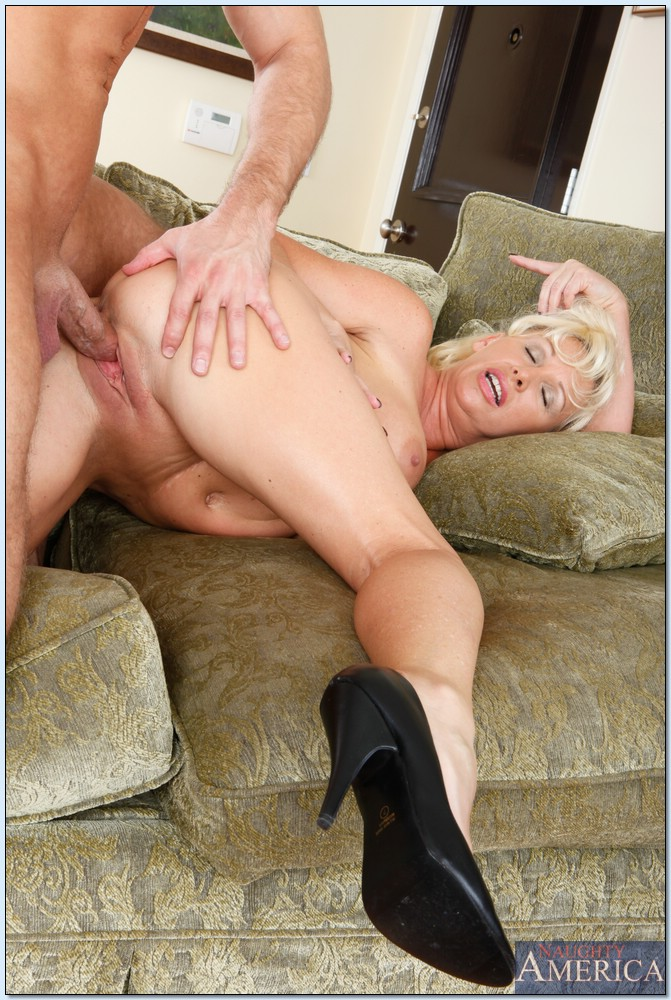 Sub slut joanna gets another rough facefuck and pounding 6